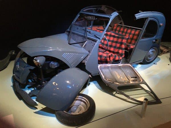 La voiture de Bourvil au début du Corniaud