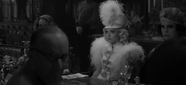 "Amanda Seyfriend dans ""Mank"" de David Fincher"