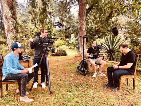 """Le tournage de la série documentaire """"Escobar, l'héritage maudit""""."""